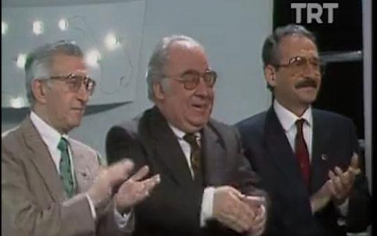 Kılıçdaroğlu'nun şarkı söylediği anlar TRT Arşiv'de