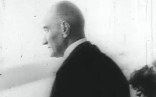 Mustafa Kemal Atatürk'ün Türk halkını son kez selamlaması