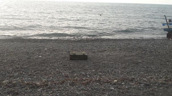 Ereğli'de içi mühimmat dolu sandık kıyıya vurdu!