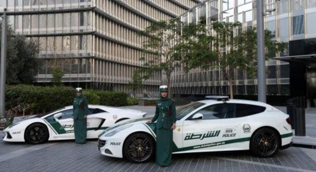 Dubai polisinin kullandığı arabaya bakın dünyanın en hızlısı!