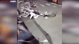 Bisiklet yarışında görülmemiş kaza!