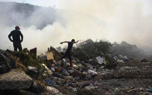 Turizm merkezindeki çöplükte büyük yangın