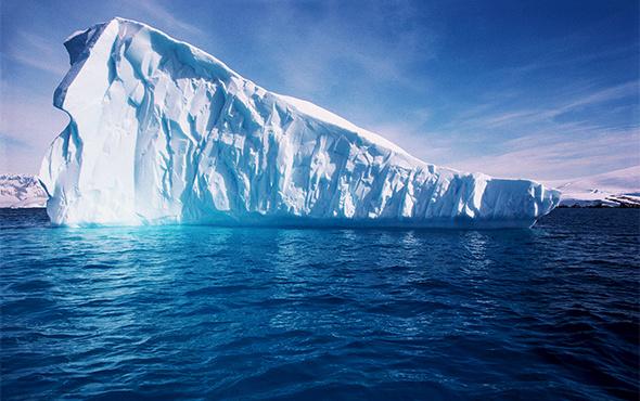 Körfez ülkelerinden su sıkıntısına çözüm: Buzdağı taşınacak!