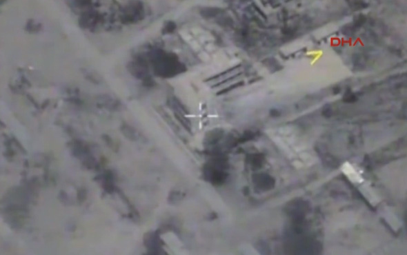 Rusya, IŞİD'i denizaltıdan vurmasına dair görüntüleri yayınladı