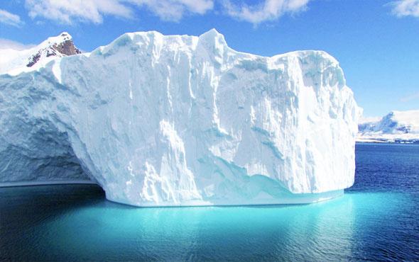Birleşik Arap Emirlikleri'nden çılgın proje buzdağı taşıyacaklar