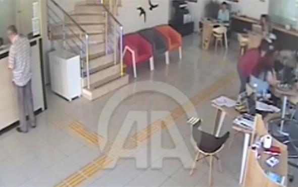 Ege Denizi'ndeki deprem anı güvenlik kamerasında