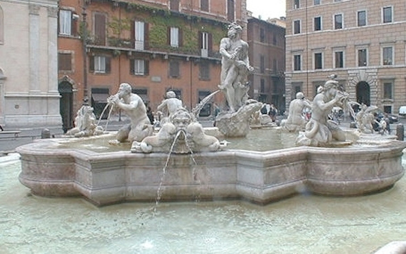 Roma çeşmelerine ayak sokanlara para cezası