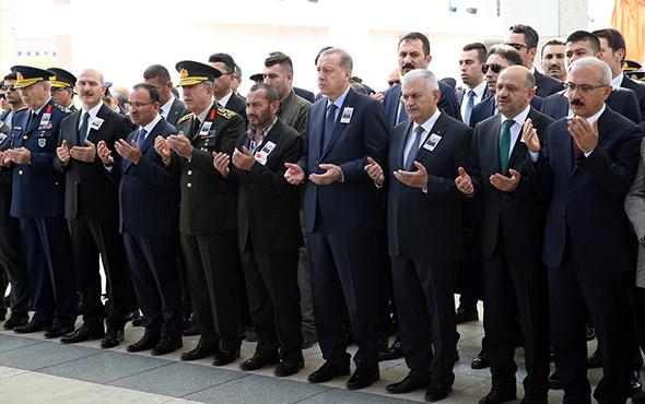 Cumhurbaşkanı Erdoğan ve Binali Yıldırım şehit cenazesine katıldı