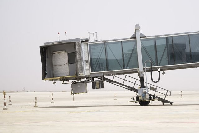 Dakar'da 8 yılda bitmeyen havalimanını Türkler 8 ayda bitirdi
