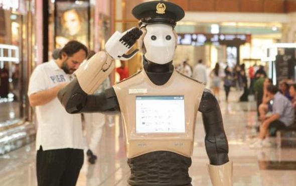 Dubai'nin ilk robot polisleri