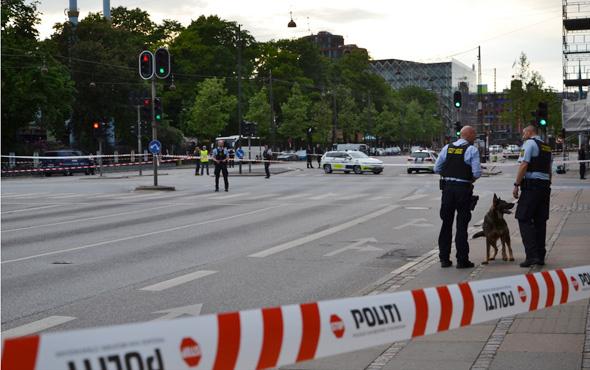 Kopenhag'da terör paniği sokaklar kapatıldı