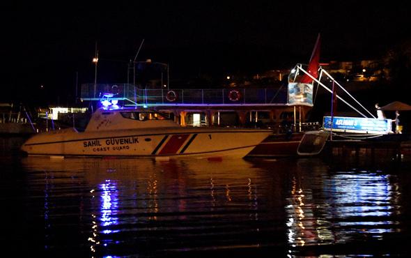 Bodrum'da gezi teknesi karaya oturdu