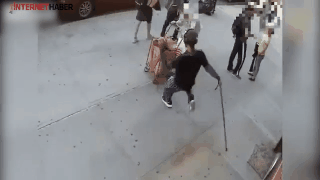 90 yaşındaki adama saldırdı