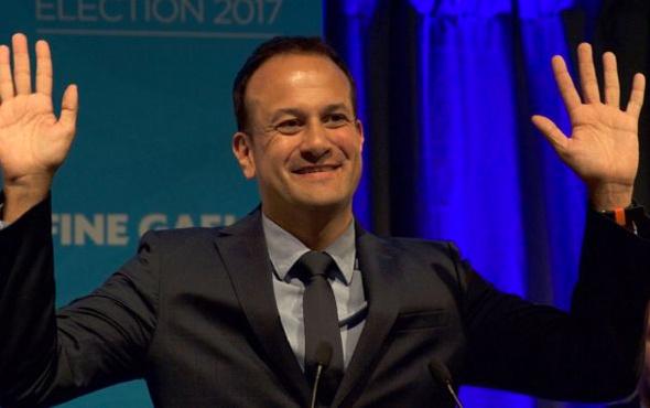 İrlanda'nın eşcinsel yeni başbakanı partneriyle fotoğraflarına bakın!