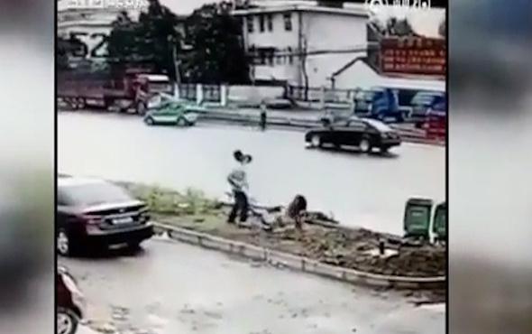 Aldatılan koca, karısını sokak ortasında öldürünceye kadar bıçakladı