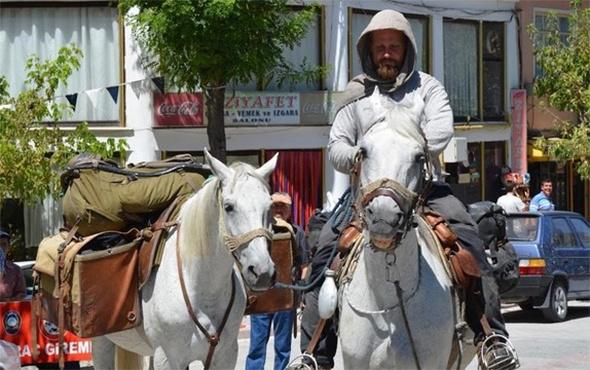Polonya'dan at üstünde yola çıktı, 8 ayda Kütahya'ya geldi!