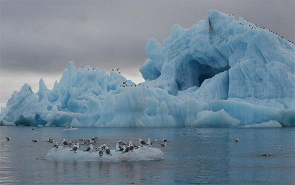 Antartika'dan Londra kadar buzdağı koptu!
