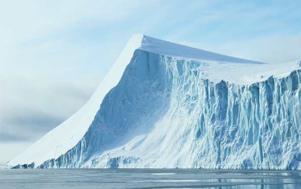 Londra'nın dört katı büyüklüğünde bir buz dağı koptu