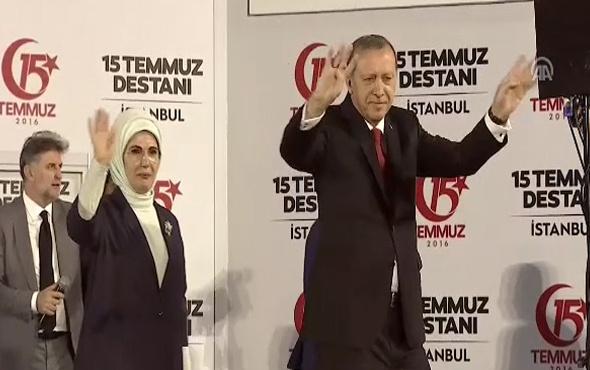 Cumhurbaşkanı Erdoğan tören alanına geldi