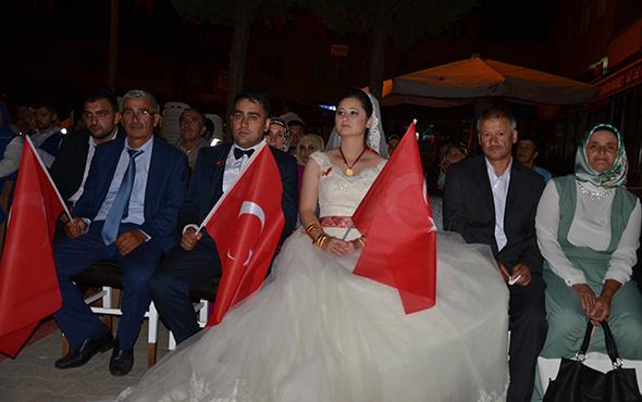 Düğünden sonra 15 Temmuz demokrasi nöbetine!