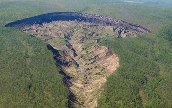 'Dünyanın Sonu'ndan ürküten görüntüler