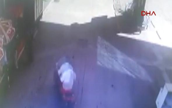Freni patlayan motosikletin kaza anı kameralara yansıdı