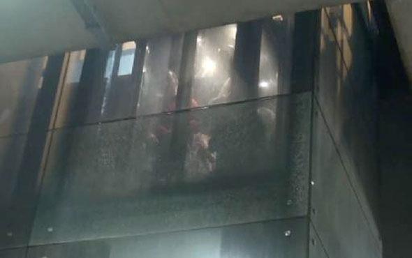 Taksim'in ortasında mahsur kaldılar 40 dakika boyunca...