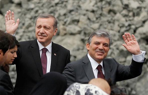 Erdoğan tehlikenin farkında bütün hesaplar Abdullah Gül'ü gösteriyor