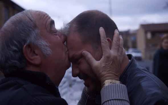 Danimarkalı adam Türk babasıyla ilk kez karşılaştı