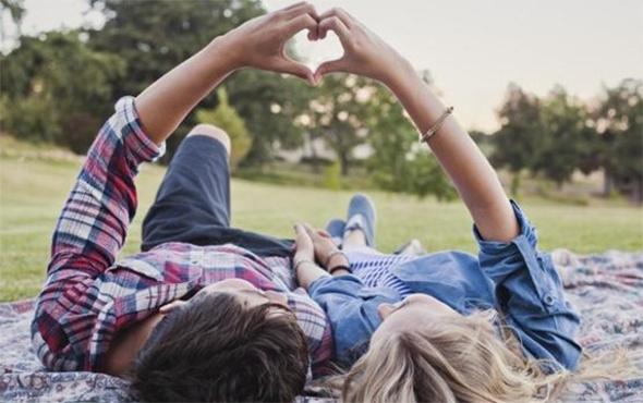 Gençler arasında yeni meslek: Kiralık sevgililik!