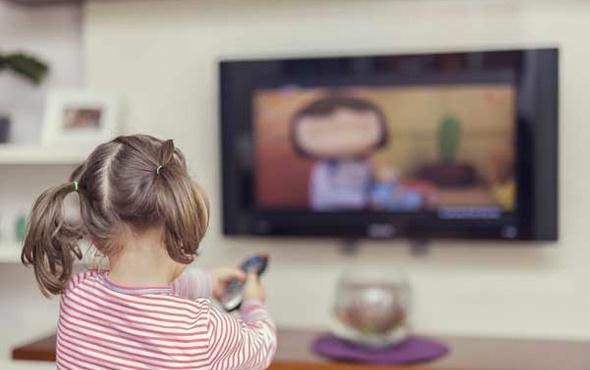 Yatakodasındaki televizyonlar çocukları obez yapıyor