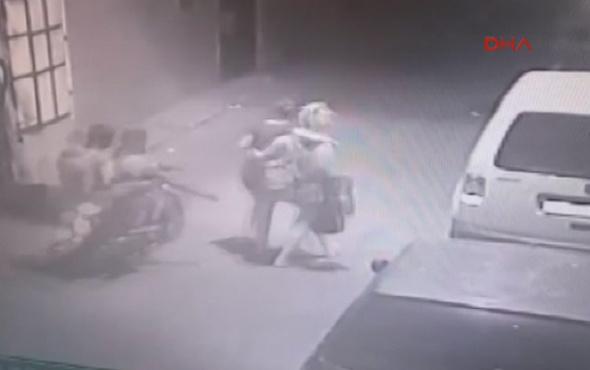 Polisin de saldırısına uğrayan kızları taciz edenler yakalandı