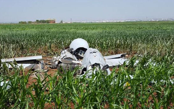 Şanlıurfa'da mısır tarlasına İHA düştü