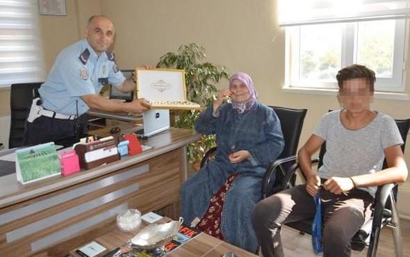 Polis yakalayamadığı genci babaannesine şikayet etti