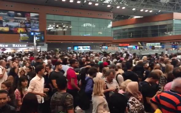 Sabiha Gökçen'de kaos bin yolcu uçağı kaçırdı