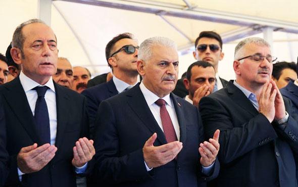 THY Müdürü Ekşi'nin acı günü Başbakan ve bakanlar yalnız bırakmadı