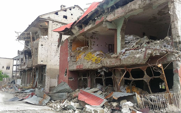 PKK'nın yakıp yıktığı Cizre'nin son haline bakın