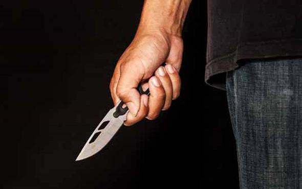 Babasının cenazesinde imamı bıçakladı