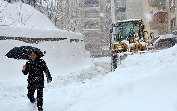 Ağrı'da pazartesi okullar tatil mi valiliğin 15 Ocak kararı