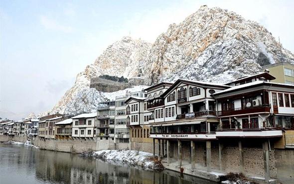 Amasya'da pazartesi okullar tatil mi valiliğin 15 Ocak kararı