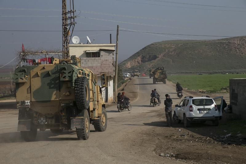 Türkiye 'tepelerine mi iniyor?' Sınırdan sıcak görüntü