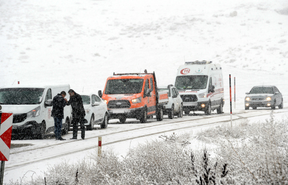 Ankara'da hava kötü! Meteorolojiden arka arkaya 16 alarm