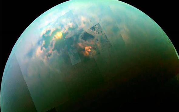 """Satürn'ün uydusu Titan'da """"deniz seviyesi"""" tespit edildi"""