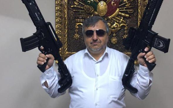 AK Partili ilçe başkanından tepki çeken poz!
