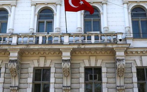 Türk başkonsolosluğuna saldırdılar!