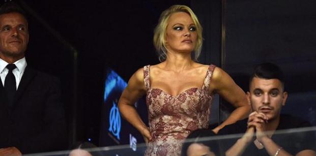 Pamela Anderson sevgilisi için ABD'yi terk etti