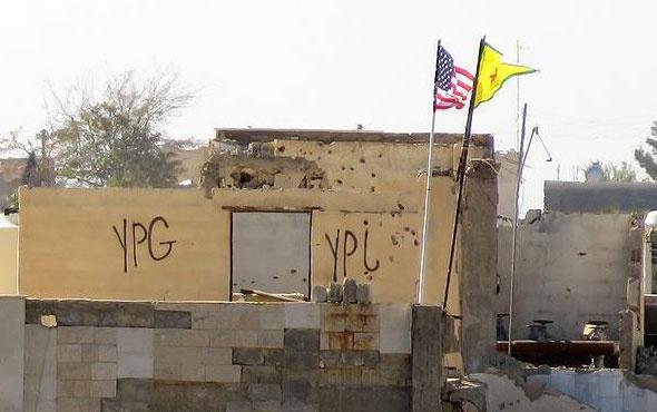 PKK, ABD bayrağının asılı olduğu direği söktü