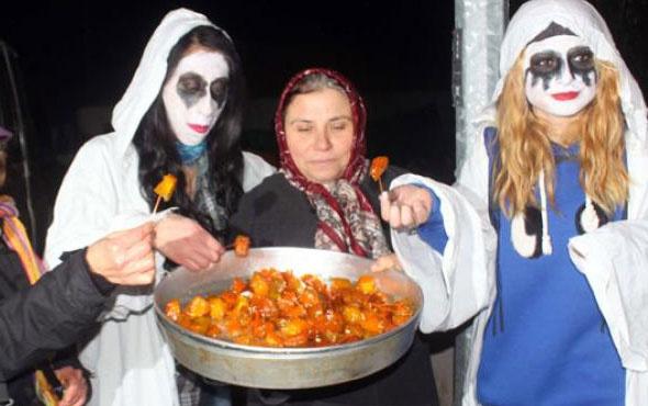 """Çamlıca köyünde eski bir Balkan geleneği olan """"Bocuk Gecesi"""" kutlandı"""