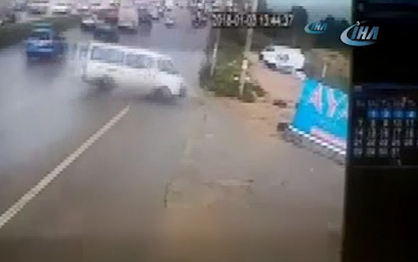 Sürücü yol kenarına uçtu