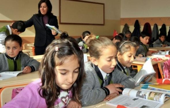İzmir'de bugün okullar tatil mi oldu Valilik 1 Ekim açıklaması